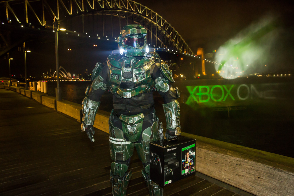 Master Chief claims his Xbox One at launch