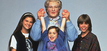 Mrs. Doubtfire hangs out with his kids