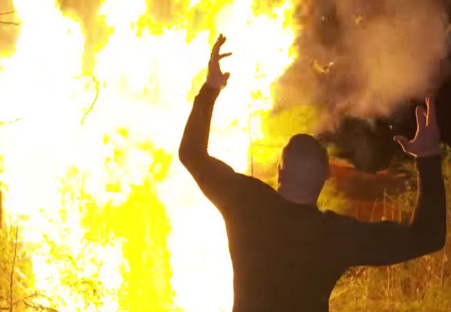 Randy Orton burns the Wyatt compound on SmackDown Live