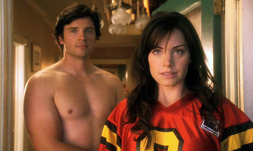 Tom Welling and Erica Durance of Smallville